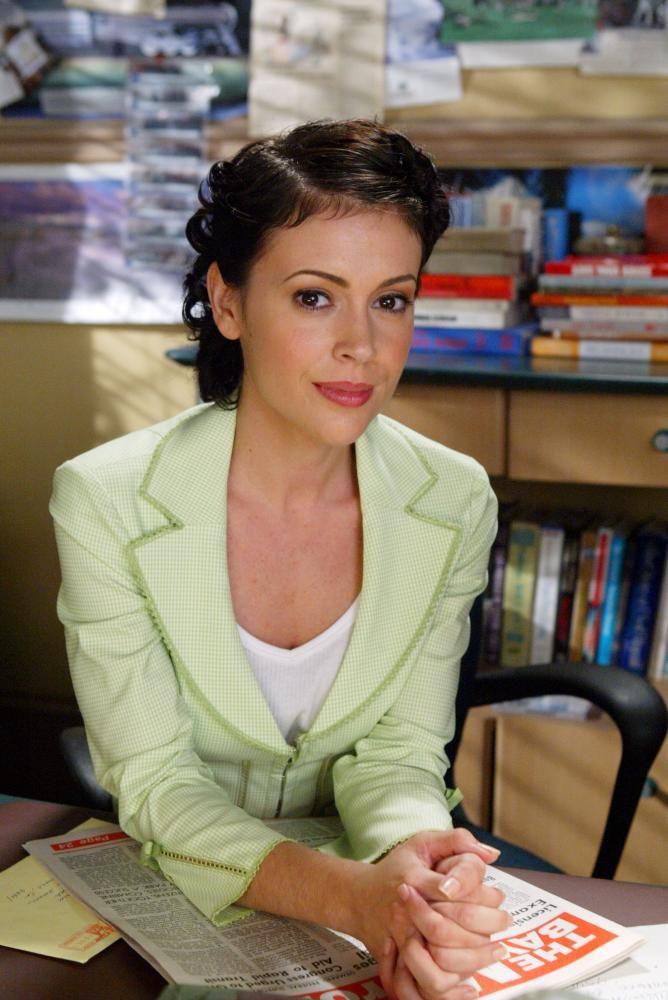 Alyssa Milano Charmed photo gallery and Alyssa Milano Charmed Hot Gift
