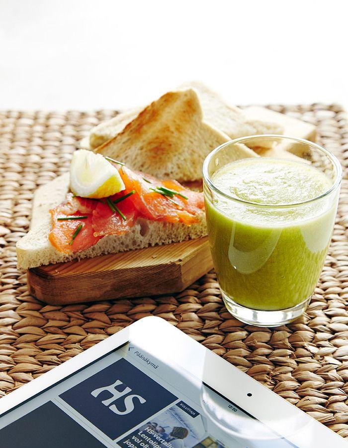 Apetit-reseptit - Ananas-hernevihersmoothie pesee  hedelmämehut ravintoaine- ja kuitupitoisuudellaan mennen tullen. #helpompiarki #vihreaajaterveellista