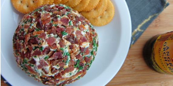 Three of our favourite ingredients in one Christmas recipe! Bacon Spinach Cheese Ball - I Quit Sugar