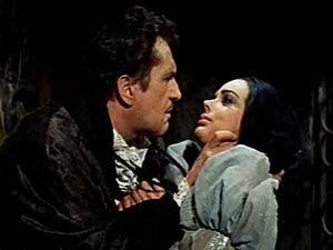 IL POZZO E IL PENDOLO  Ispirato al romanzo di E.A.Poe  Francis Barnard arriva in carrozza al castello della famiglia Medina: l'uomo vuole scoprire le circostanze della morte di sua sorella Elizabeth, moglie di don Nicholas Medina.  Guarda il film nella sezione Minerva di PrimoItalia.  Quando vuoi tu, dove vuoi tu.