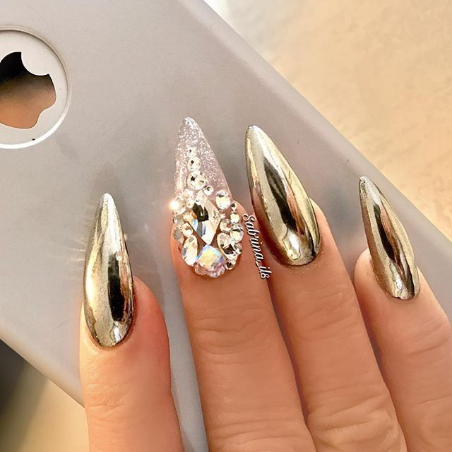 Crystal Chrome Nails: 25+ Best Ideas About Crystal Nails On Pinterest