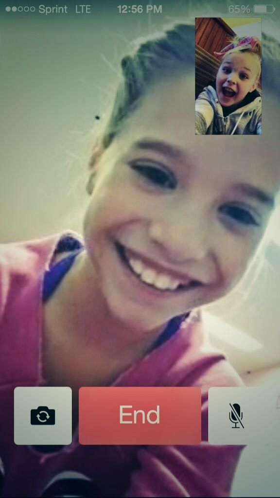 Kenzie & Jojo facetiming