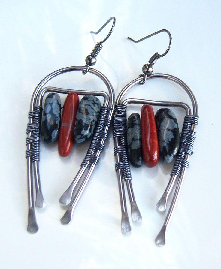 Boucles d'oreille wire wrap jaspe rouge et obsidienne mouchetée : Boucles d'oreille par adrimag