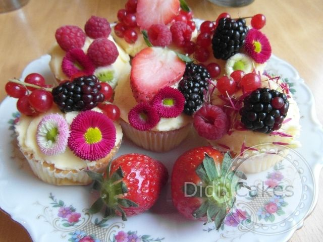 eetbare bloemen op cupcakes