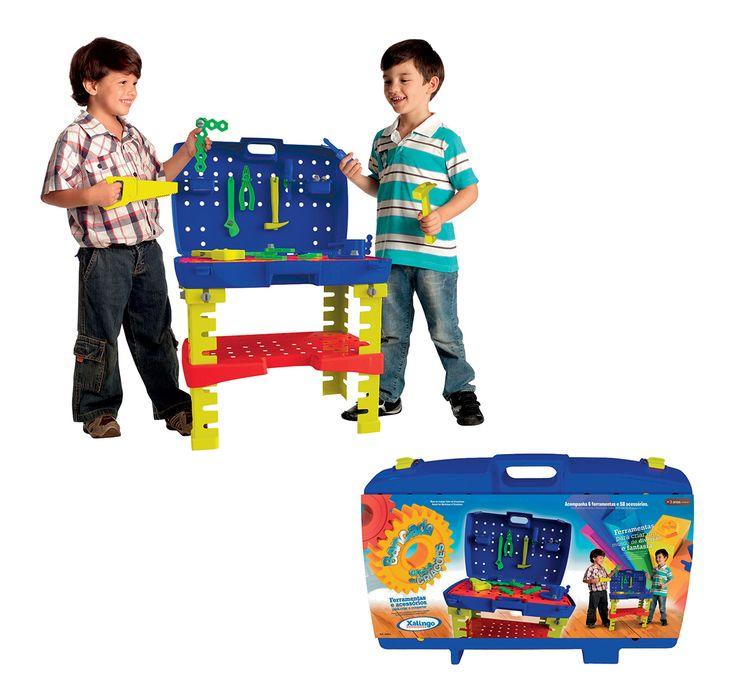 0494.3 - Bancada de Ferramentas Oficina de Criações   O produto é fácil e prático de montar, acompanha 06 ferramentas e 58 acessórios em cores vibrantes. Seu grande diferencial é a possibilidade de transformar-se de maleta para bancada e vice-versa rapidamente.   Faixa Etária: +3 anos   Medidas: 54 x 45,5 x 80 cm   Jogos e Brinquedos   Xalingo Brinquedos   Crianças