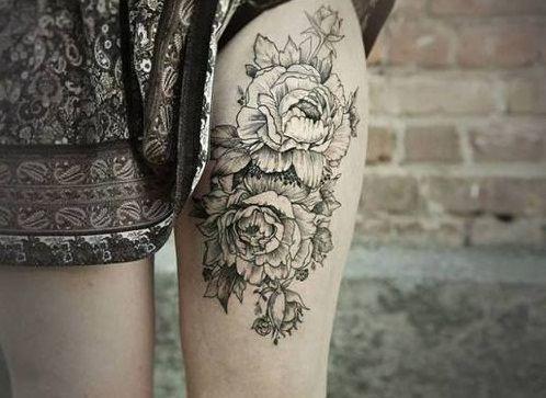 No soy fan de los tatuajes en la pierna, pero éste se pasa la barra.
