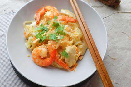 Recette pad tha nouilles de riz poulet crevettes saut s for Cuisine thailandaise