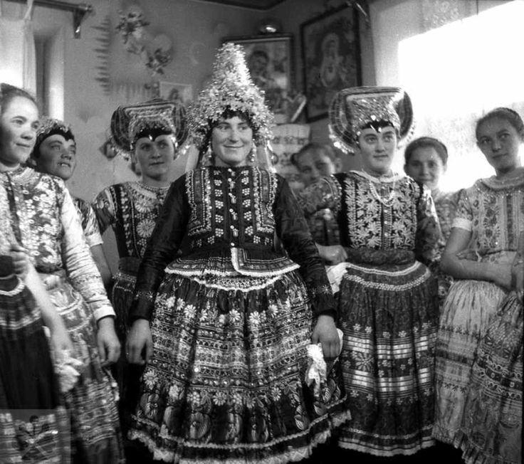 Bridal dress, Starý Tekov, Levice / Odev mladuchy (1958), Čajkov