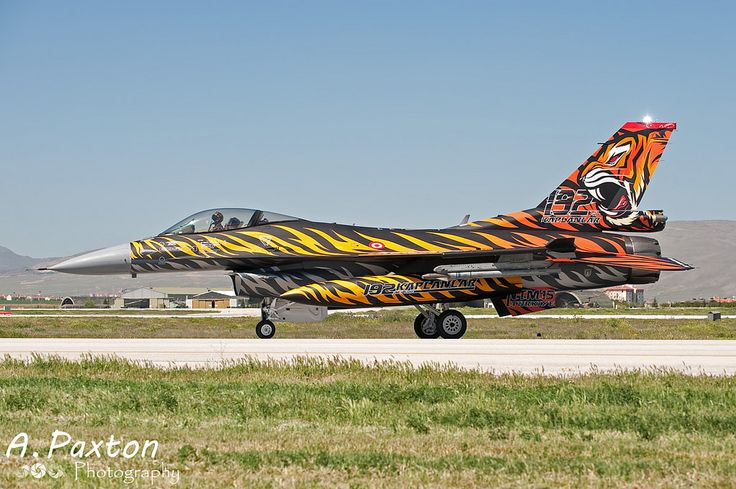 https://flic.kr/p/WU98dH | Turkish Air Force | Lockheed Martin F-16C Fighting Falcon | 92-0014 | 192 Filo 'Tiger' - Balikesir Air Base, Turkey | NTM15 - Konya Air Base, Turkey