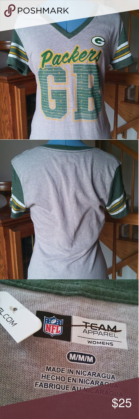 """NWT NFL Green Bay Packers Glitter Tee Cute Packers tee perfect for the upcoming football season. """"Packers"""" is written across this shirt in green glitter. Partial tag still attached. Never worn. NFL Tops Tees - Short Sleeve"""