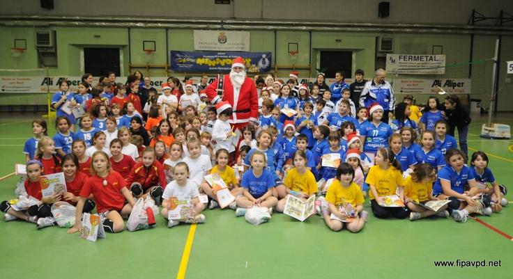 Minivolley con Babbo Natale 2012-palestra Duca degli Abruzzi di Padova
