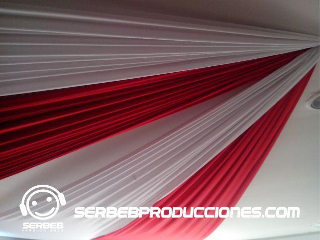 Decoración en Velos Sí deseas ver todas las fotos de esta decoración, Haz clic aquí http://serbebproducciones.com/index.php/decoraciones-de-eventos/decoraciones-para-bodas/46-decoracion-rojo-con-blanco/173-mesas-decoradas.html