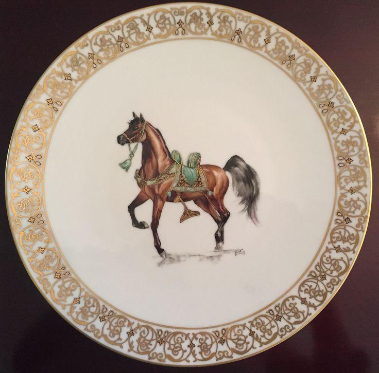 Assiette les chevaux arabes
