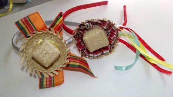 Veja como fazer uma tiara com chapéu de palha pra sua festa junina!
