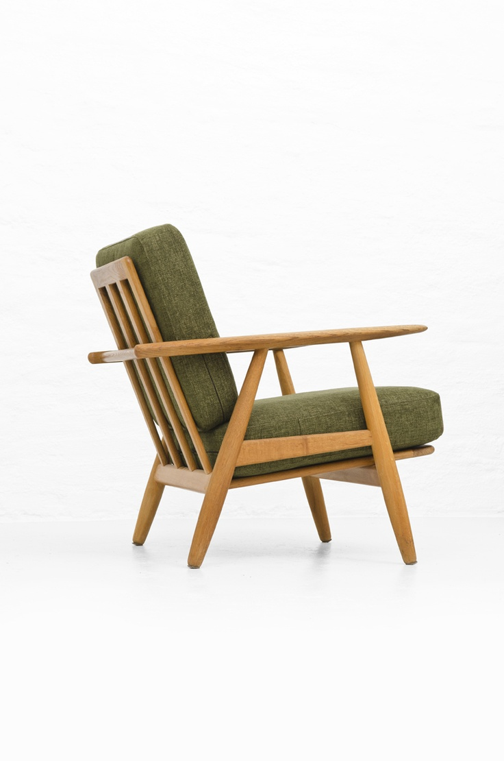 Hans J. Wegner, GE-240 Oak  'Cigarren' Easy Chair for Getama, 1955.
