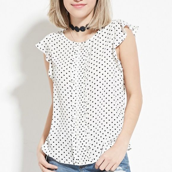 short sleeve polka dot shirt offers welcome polka dot top that's in excellent condition. Size small. Let me know if you have any questions! Tops