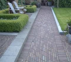 bestrating: Brick Paths, De Tuin, Brick Pavement, Bestrat Terra, Google Search, Brick Pathways Ideas, Bestrat Pads, Bestrat Gebakken, Bestrat Tuin