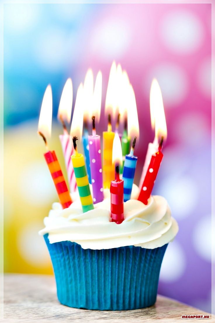 BIRTHDAY CANDLES. For those who I wanna joke with. There are too many candles for this cure little cupcake to hold. ;D