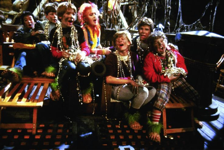 Still of Sean Astin, Corey Feldman, Martha Plimpton, Josh Brolin, Jeff Cohen and Jonathan Ke Quan in The Goonies (1985) http://www.movpins.com/dHQwMDg5MjE4/the-goonies-(1985)/still-41005056