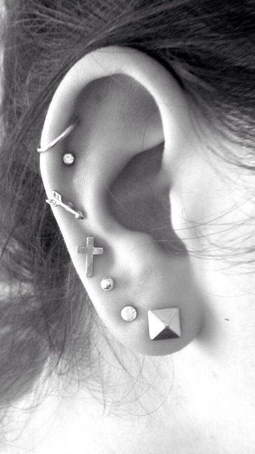 30 Ear Piercing ideas and piercing type from minimal cute piercing –pyramid…