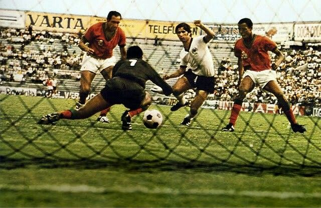West Germany 2 Morocco 1 in 1970 in Leon. Gerd Muller scores the 80th minute winner in Group 4 #WorldCupFinals