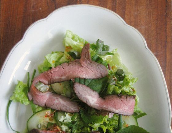 Flank Steak Salat Bulgogi Style