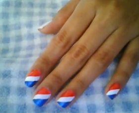 Zo maak je rood-wit-blauw nagels!