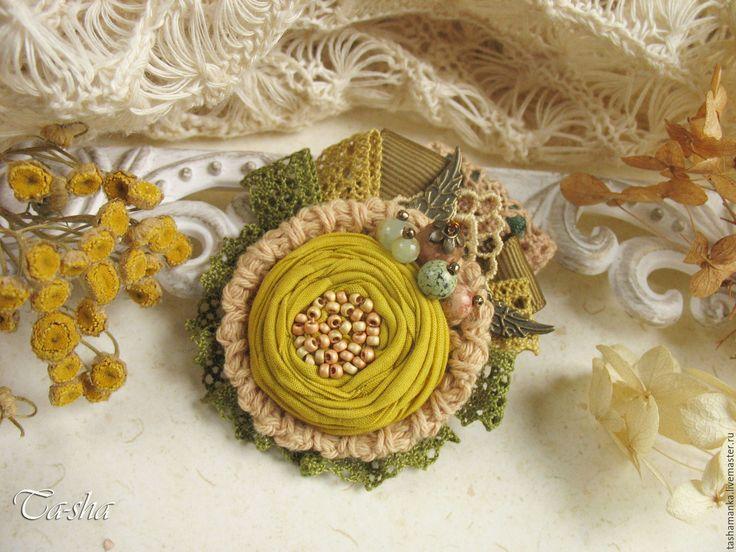 """Купить """"Пижма"""" брошь бохо желтая зеленая цветок горчичный - броши, брошь натуральные камни"""