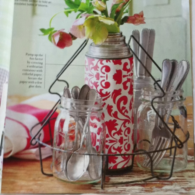 Old canning rack as casual table centrepiece❤.  From BHG Flea Market Style