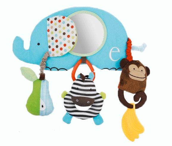 Miroir et jouets suspendus pour siège de bébé. Idéal pour le divertissement du bébé lors des promenade.