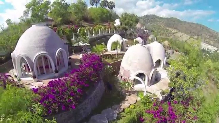 Mentigi Bay Dome Village in Lombok 4Rent