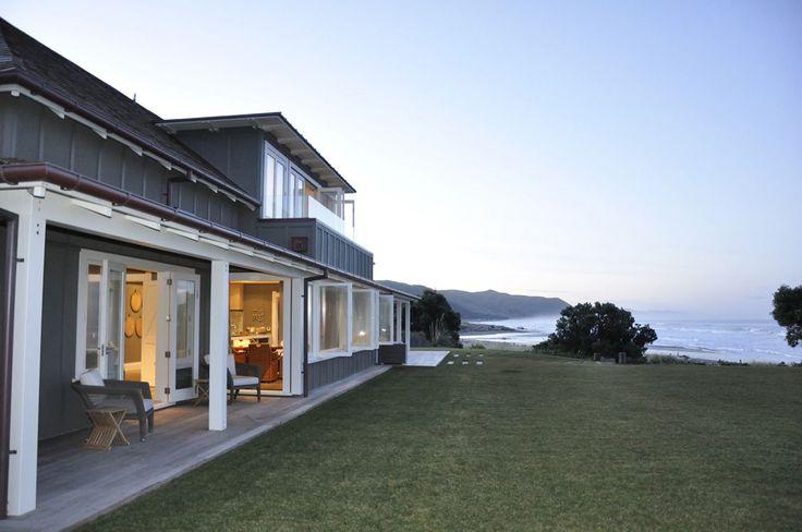 Hawkwes Bay,NZ Beach House Inside Out Side Flow