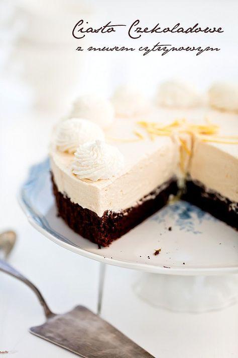 Ciasto czekoladowe z musem cytrynowym.