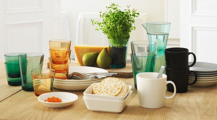 Teema dinnerware and Kartio glassware.