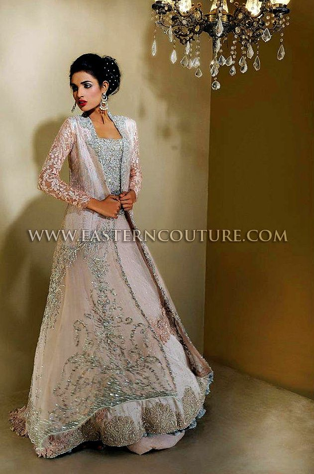 Elegant Pakistani wedding gown ♥