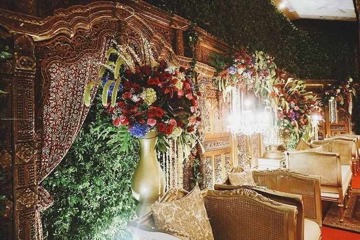 "29 Likes, 1 Comments - Event & Wedding Decor Jakarta (@sentrabunga) on Instagram: ""When classic Javanese meets modern chic garden.  #gardeninspired #gardeninspiredwedding…"""