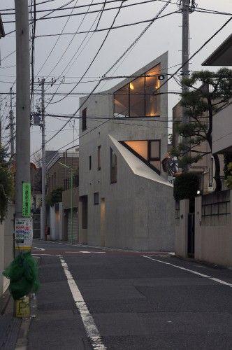 Okusawa House by Hiroyuki Ito + O.F.D.A., Tokyo, Japan 2010 (SAW THIS HOUSE ON A WALK THROUGH TOKYO)