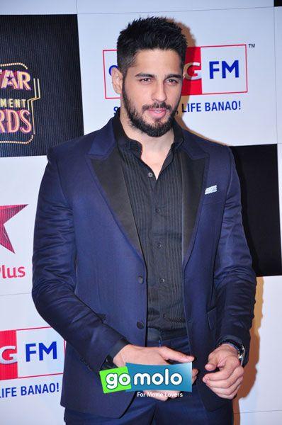 Sidharth Malhotra at Big Star Entertainment Awards in Mumbai