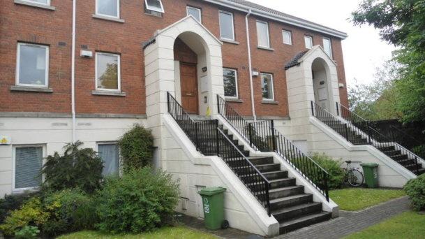 45 Rathdowne Square, North Circular Road, Dublin 7 - Townhouse