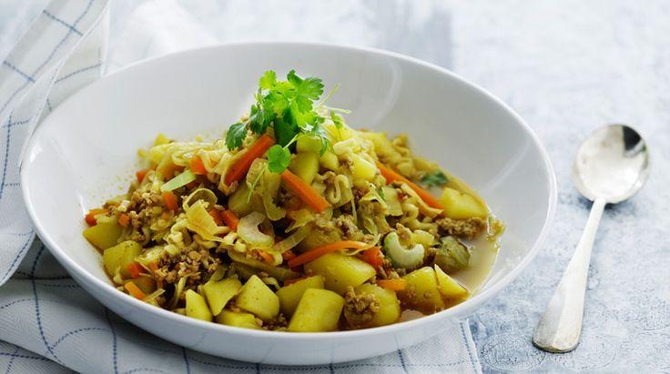 Slankegryde med svinekød, grøntsager og nudler