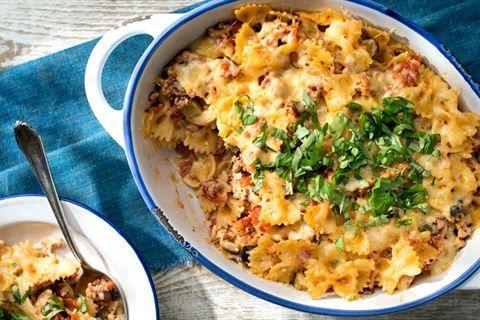 Pascal Brodnicki -  przepis na zapiekankę makaronową z mięsem, pomidorami i bakłażanem. Sprawdź, jak smakuje!
