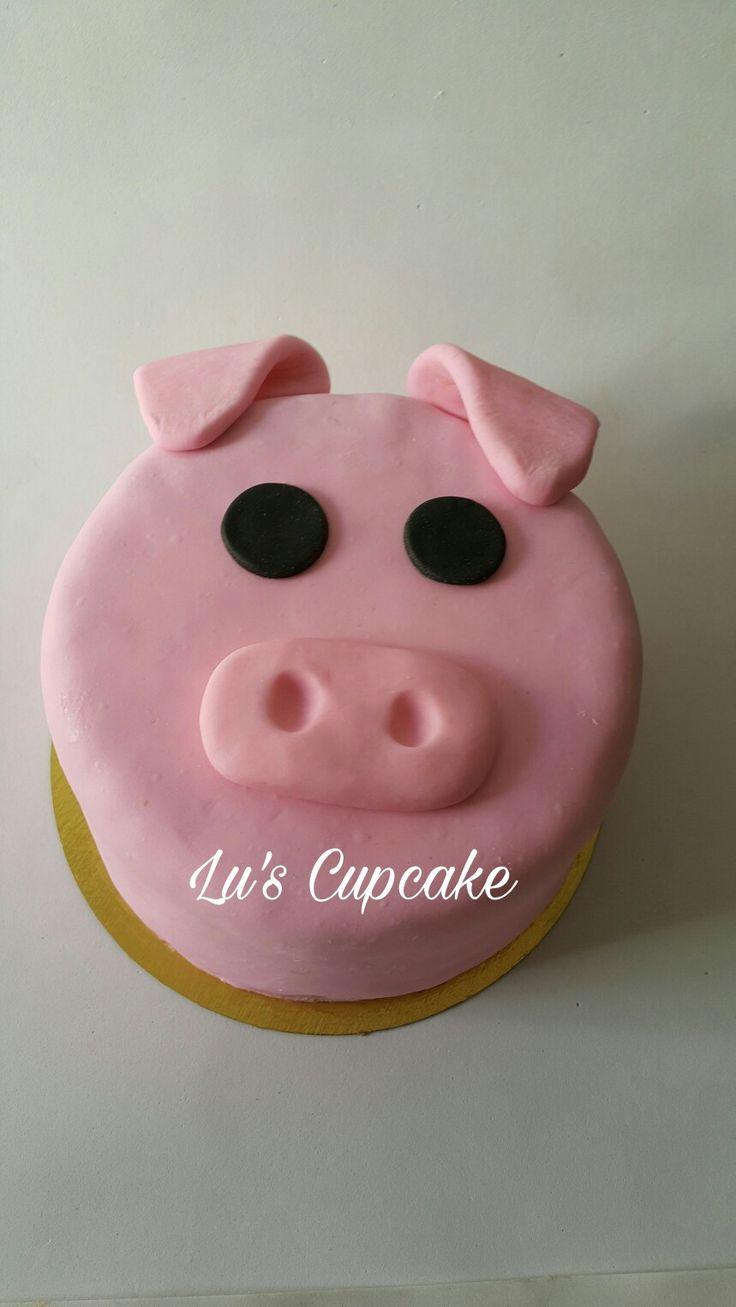 Pig cake birthday