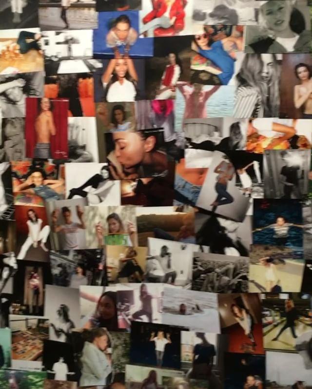 A @ragandbone celebra 15 anos em grande estilo trocando seu tradicional desfile em NY por uma exposição com campanhas icônicas da história da marca agora sob o comando unicamente de Marcus Wainwright. Entre os convidados amigos da grife americana circulam com os looks da nova coleção - e também aparecem em cliques pelas paredes exibindo as peças. Dá o play! (via @viviansotocorno)  via VOGUE BRASIL MAGAZINE OFFICIAL INSTAGRAM - Fashion Campaigns  Haute Couture  Advertising  Editorial…