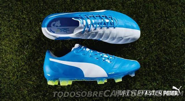 Ayer, antes del partido entre Tottenham y Chelsea, Puma reveló en redes sociales los botines especiales que portaría Cesc Fàbregas en la que sería una estrepitosa derrota de su equipo que ahora los tiene en punta compartida con Manchester City en la...