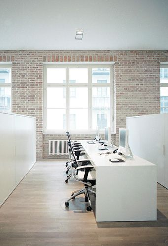 17 best images about cool workspaces on pinterest video for Cool modern office