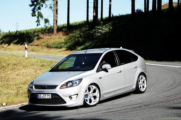 ford focus st mk2 low silver car with xenon and big rims. Black Bedroom Furniture Sets. Home Design Ideas