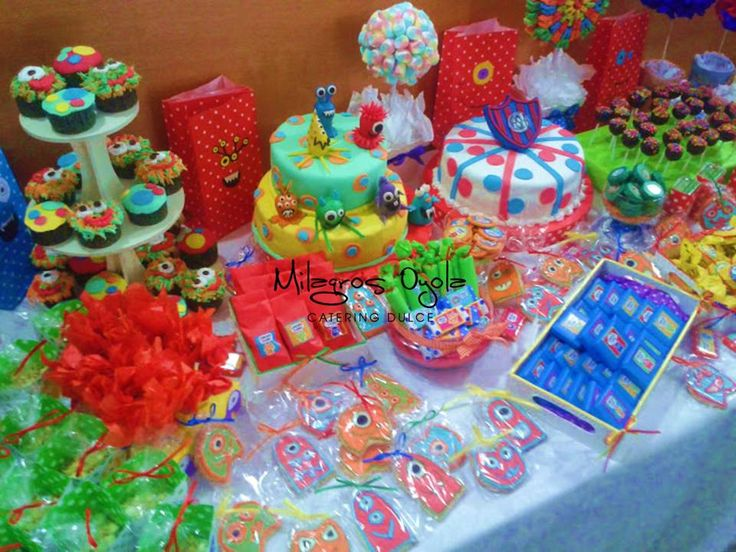 candy bar y torta monstruitos