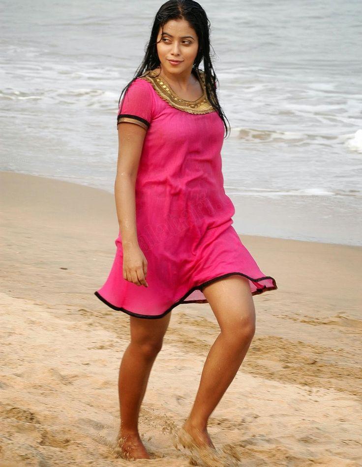 Stunning Pictures Of Actress: Shmana Kasim