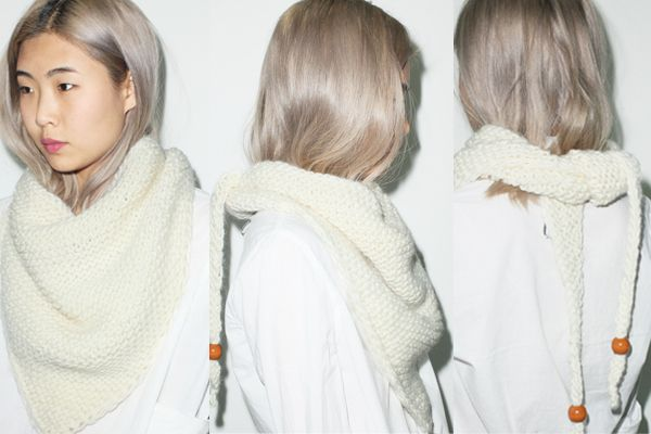 Maiami Triangle Scarves in Dark Grey and Creme
