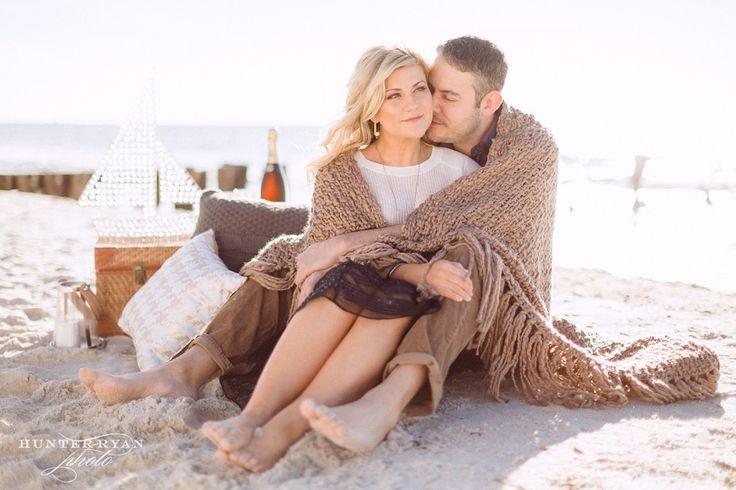 Naples Wedding Photographer | Naples Beach Nautical Engagement Inspiration | Winter Beach Picnic Engagement Photography | Florida Destination Wedding Photography @JET SET WED >>> Kehrin